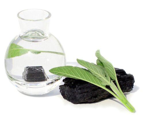 Turmalin-Wasser mit Salbei